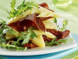 Fritelles d'Emmental sur lit de verdure