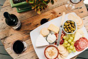 Quel vin servir avec un plateau de fromage ?